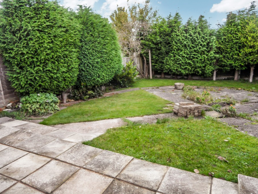 Images for Surrey Close, Rugeley EAID: BID:lsp